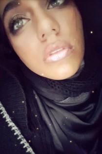 josie-modeling-frosty-lip