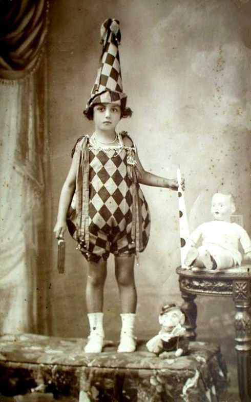 vintage-harlequin-child